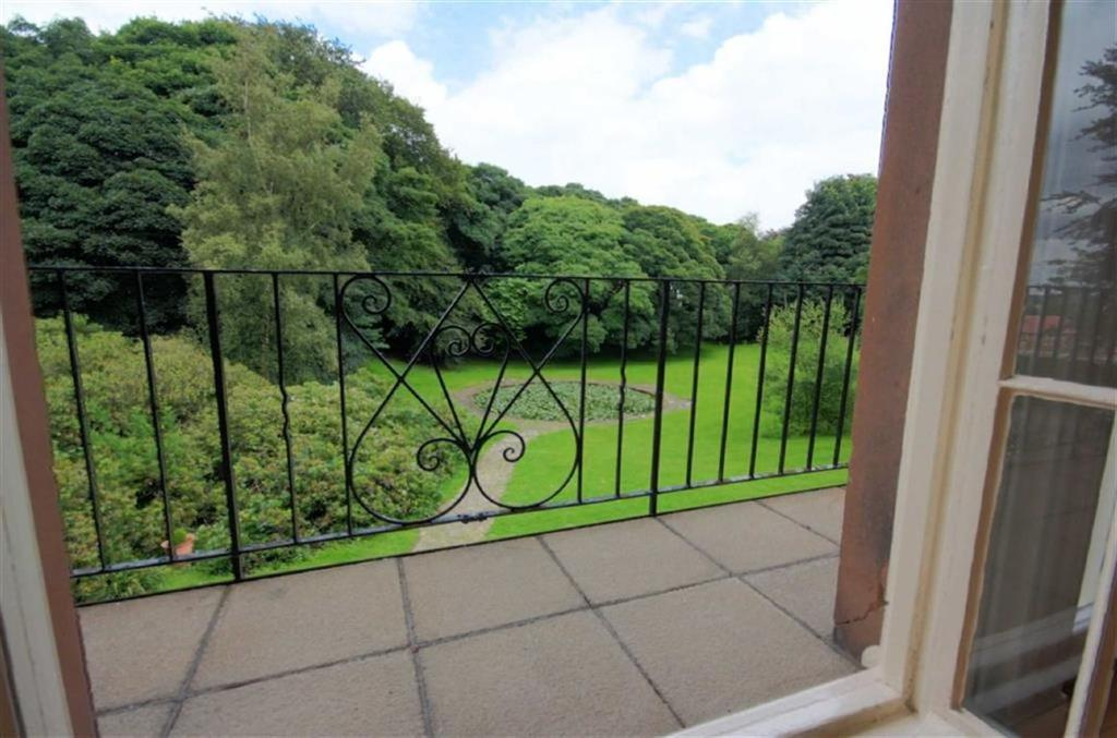 3 Bedrooms Apartment Flat for sale in Eccleston Hall, Eccleston, St Helens, WA10