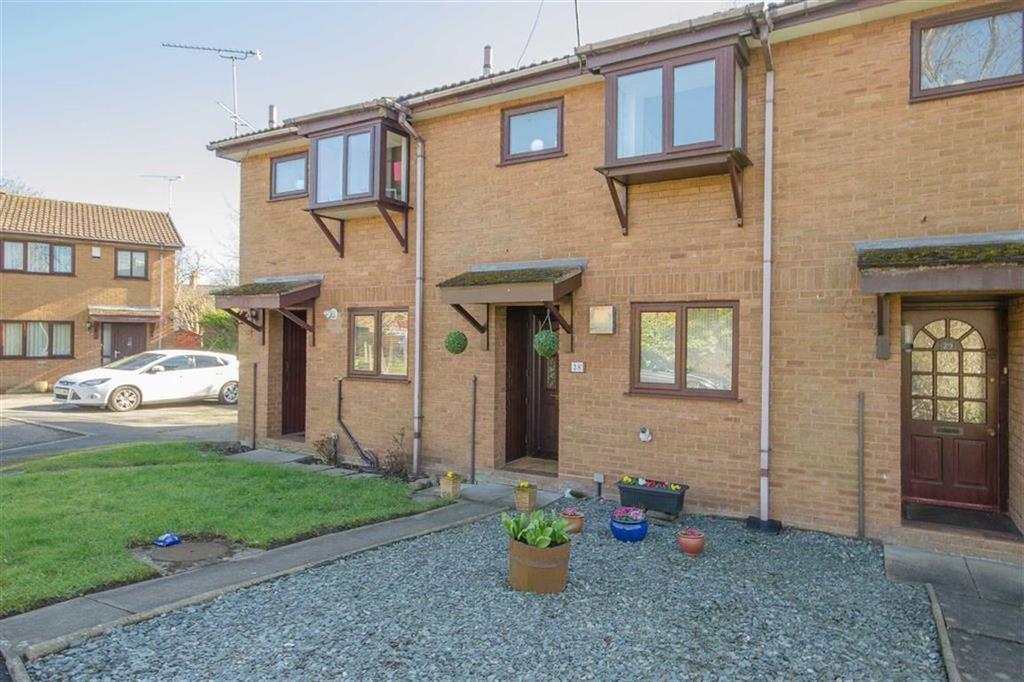 2 Bedrooms Terraced House for sale in Llys Daniel Owen, Mold, Mold