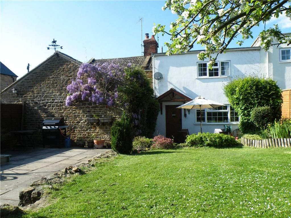 3 Bedrooms Cottage House for sale in Daventry Road, Norton, Daventry, Northamptonshire, NN11