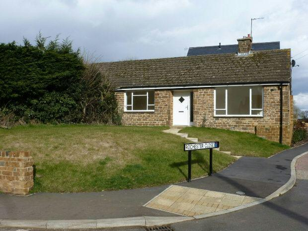 2 Bedrooms Semi Detached Bungalow for sale in Main Road, Middleton Cheney