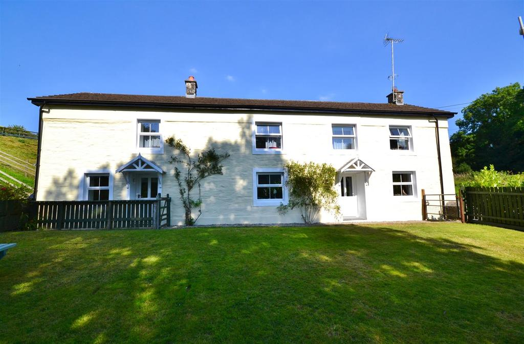 6 Bedrooms Detached House for sale in Eglwyswrw