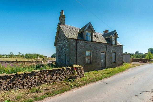 4 Bedrooms Detached House for sale in Former Farmhouse, Whiteknowes, Westruther, Scottish Borders, TD3