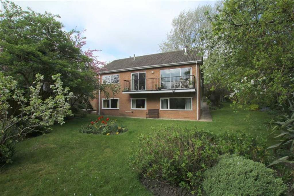 5 Bedrooms Detached House for sale in Briar Walk, Hartburn, Stockton On Tees
