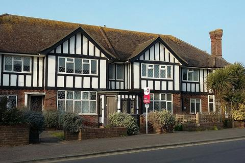 3 bedroom flat to rent - West Worthing