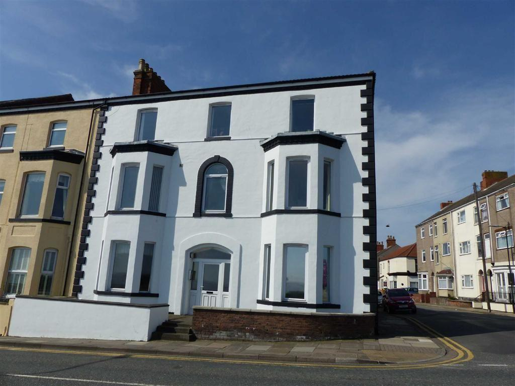 2 Bedrooms Flat for sale in Highcliff Road, Cleethorpes, North East Lincolnshire
