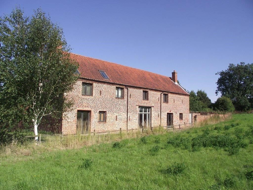 5 Bedrooms Barn Conversion Character Property for sale in Main Street, Thornton Curtis, Ulceby, North Lincolnshire