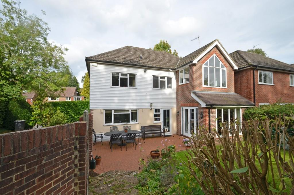 4 Bedrooms Detached House for sale in Godalming