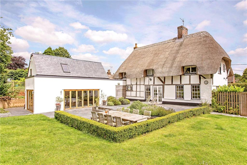 4 Bedrooms Detached House for sale in High Street, Burbage, Marlborough, Wiltshire, SN8