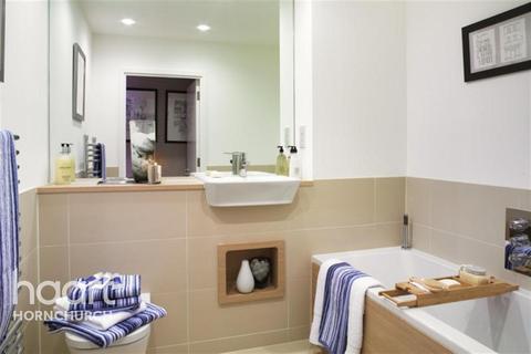 2 bedroom flat to rent - Kings Park Development, RM3