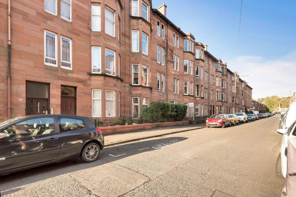 2 Bedrooms Ground Flat for sale in G/L, 80 Cartvale Road, Battlefield, G42 9SW