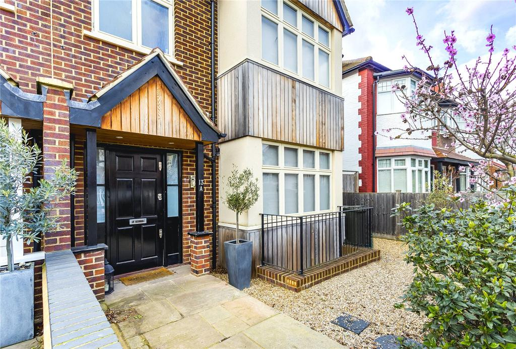 4 Bedrooms Semi Detached House for sale in Ramillies Road, Chiswick, London, W4