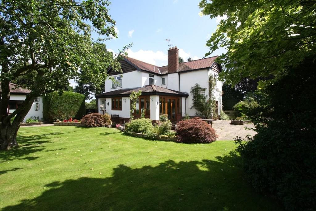4 Bedrooms Detached House for sale in Lea Garth, Four Lane Ends, Tarporley, CW6 9HJ