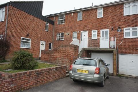 3 bedroom townhouse to rent - Alton