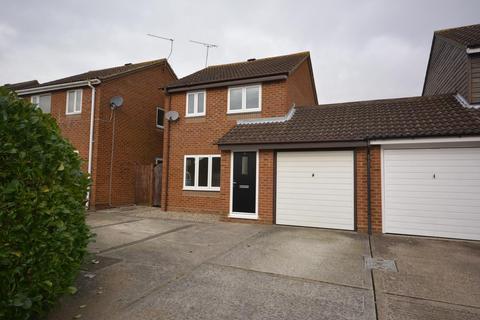 3 bedroom semi-detached house to rent - Renoir Place, Chelmsford, Essex, CM1