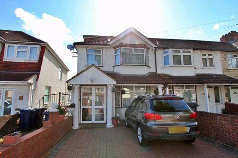 5 bedroom end of terrace house for sale - Ascot Gardens, Southall