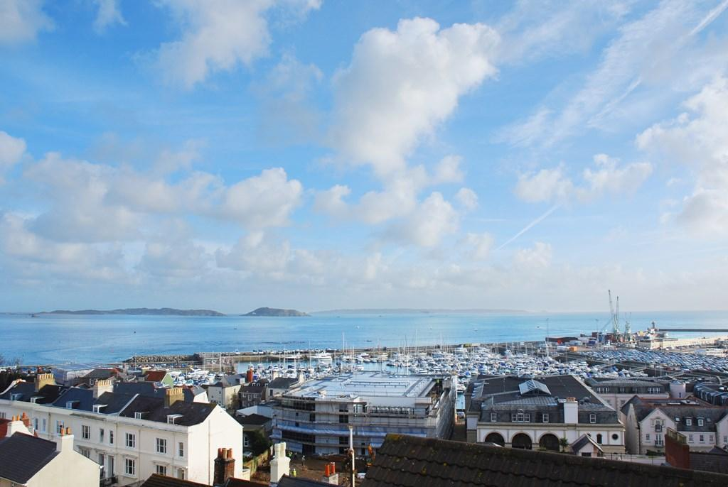 3 Bedrooms Town House for sale in Les Cotils, St. Peter Port, Guernsey