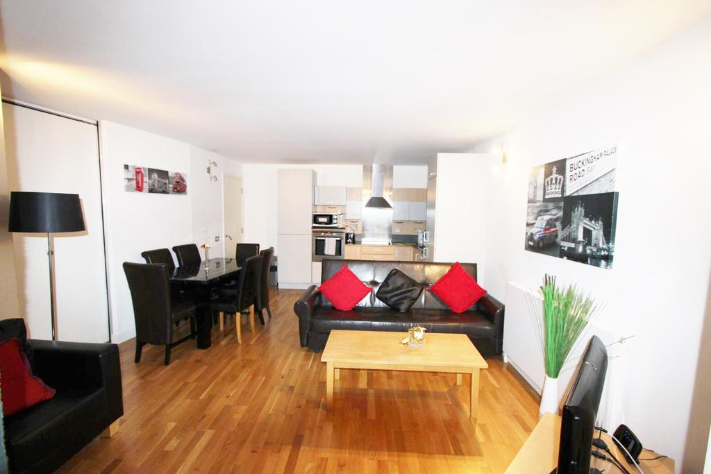 3 Bedrooms Flat for sale in Tachbrook Street, London