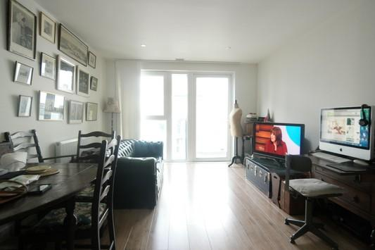 2 Bedrooms Flat for sale in Brooklyn Building