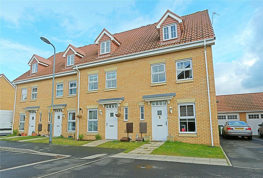 3 Bedrooms Terraced House for sale in Fescue Close, Farriers Park
