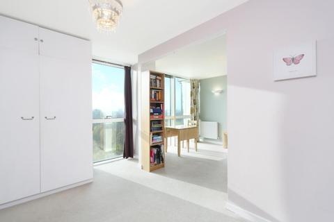 1 bedroom apartment to rent - Palladio Court, Mapleton Road, London, SW18