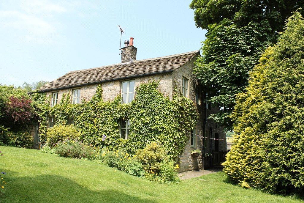 3 Bedrooms Detached House for sale in Upper Green Farm Cottage, Allerton Upper Green, Allerton, Bradford, West Yorkshire