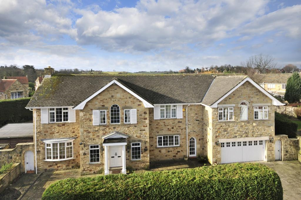 5 Bedrooms Detached House for sale in Meadow Court, The Vale, Collingham, Wetherby, West Yorkshire
