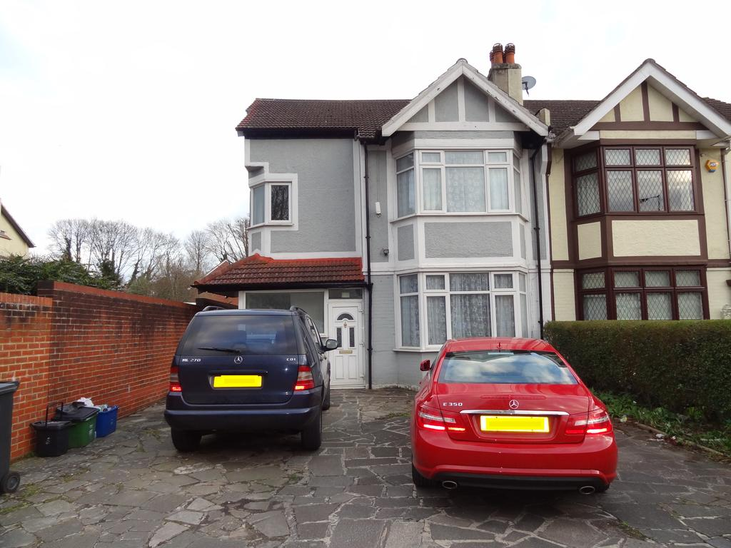 4 Bedrooms Semi Detached House for sale in Brighton Road, Purley CR8