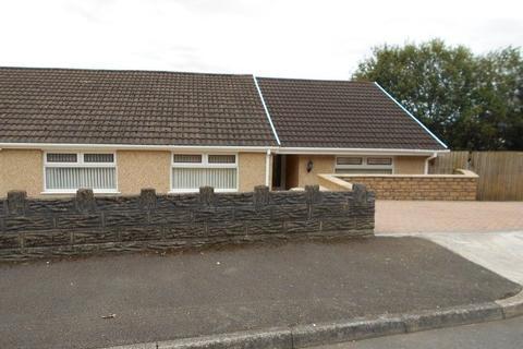 3 bedroom semi-detached bungalow to rent - Drummau Park, Skewen, Neath, Neath Port Talbot.