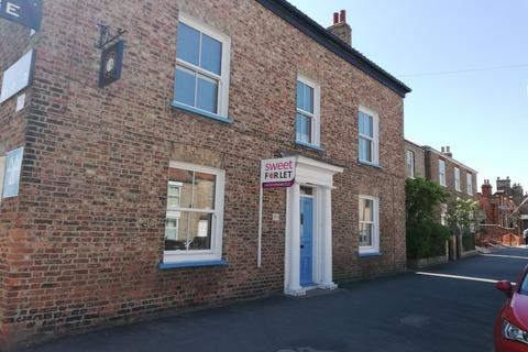 2 bedroom flat to rent - George Street, Pocklington