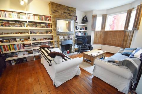 2 bedroom terraced house to rent - Cobbold Road, London
