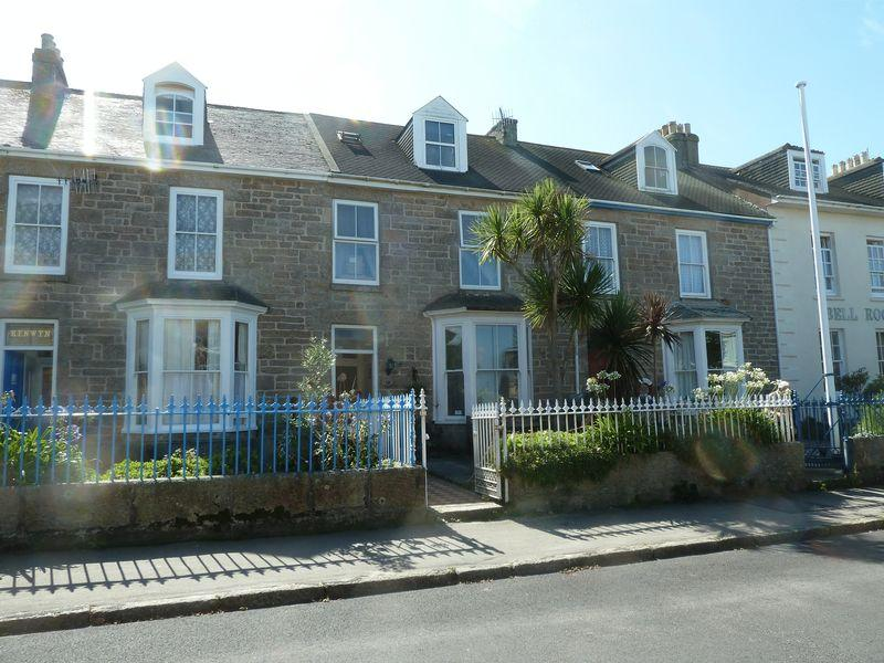 4 Bedrooms Terraced House for sale in Church Street, Isles Of Scilly