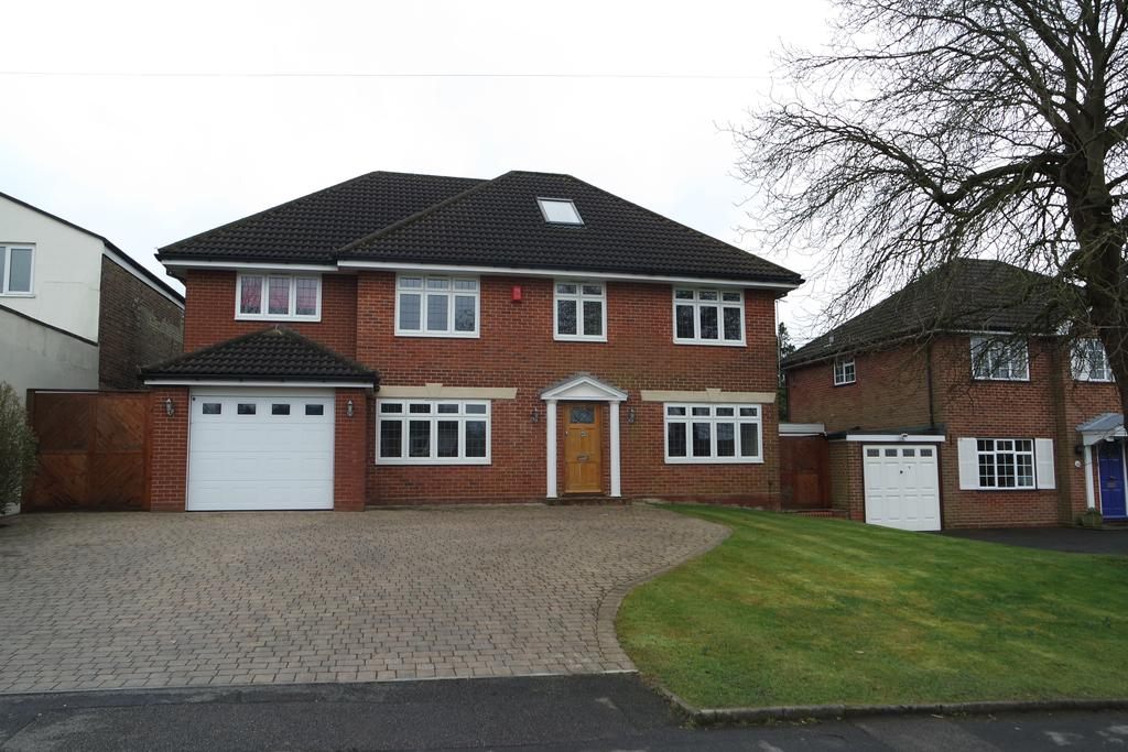 6 Bedrooms Detached House for sale in Heath Road, Potters Bar EN6