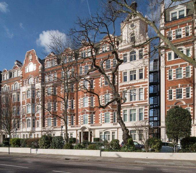 2 Bedrooms Flat for sale in North Gate, Prince Albert Road, St. John's Wood, London, NW8