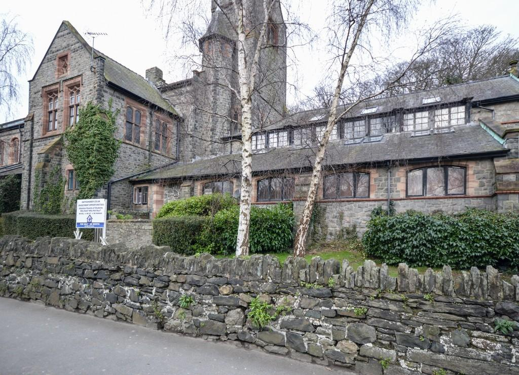 2 Bedrooms Apartment Flat for sale in Tabernacle Chapel, Bangor, North Wales