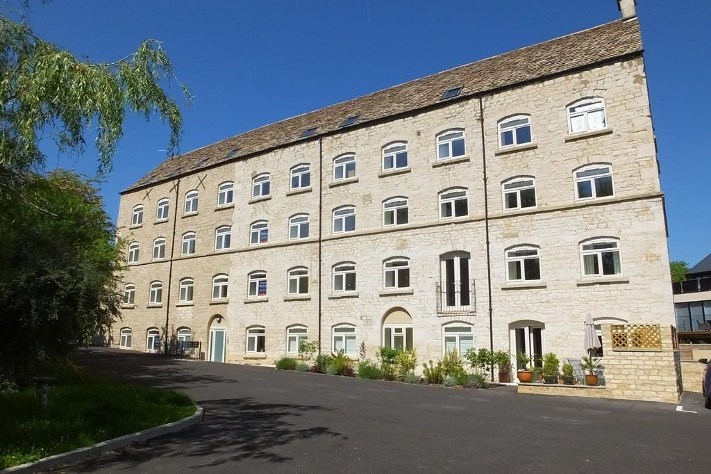 2 Bedrooms Apartment Flat for sale in Avening