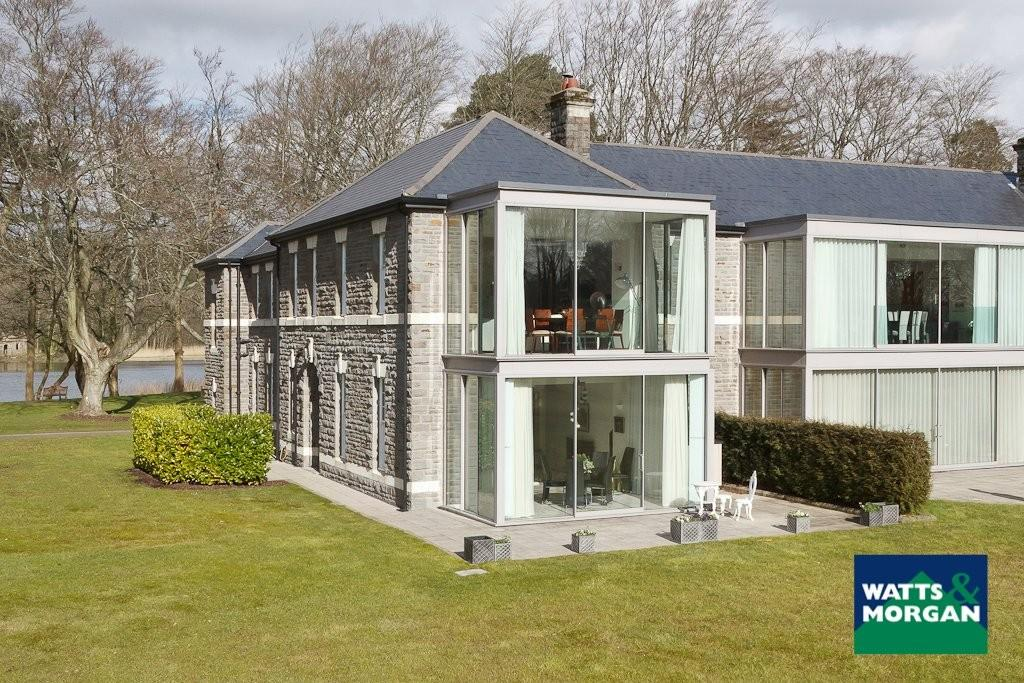 3 Bedrooms Apartment Flat for sale in Crawshay House, Hensol Castle Park, Hensol, Vale of Glamorgan, CF72 8GP