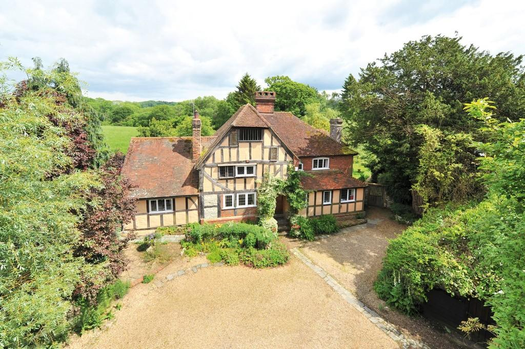 4 Bedrooms Detached House for sale in Hurst, Near South Harting, West Sussex