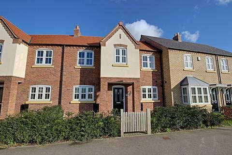 3 bedroom mews to rent - Shinewater Park, Kingswood
