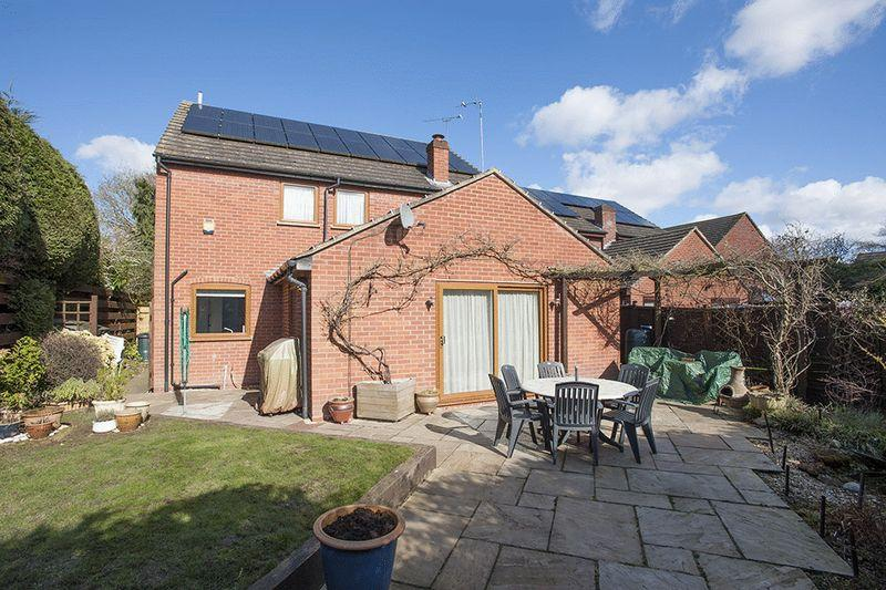 4 Bedrooms Detached House for sale in Rex Close, Tile Hill Village
