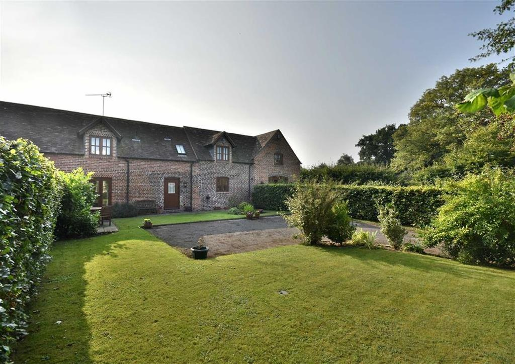 3 Bedrooms Barn Conversion Character Property for sale in Willow Dean, 2, Crown Farm Barns, Kynnersley, Telford, Shropshire, TF6