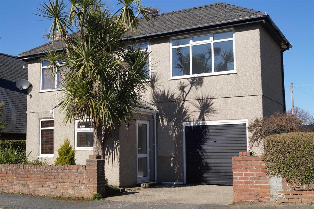 3 Bedrooms Detached House for sale in Manor Avenue, Pwllheli