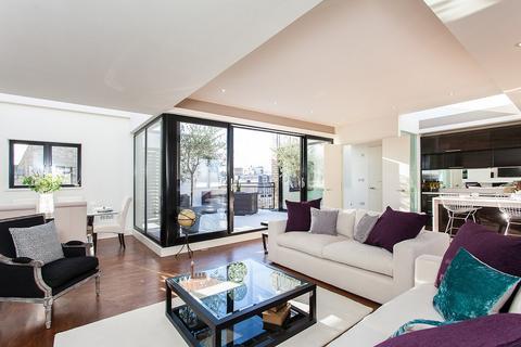 3 bedroom apartment to rent - Great Portland Street, Marylebone, London, W1W