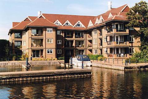 2 bedroom apartment to rent - Eights Marina, Mariner`s Way, Cambridge, CB4
