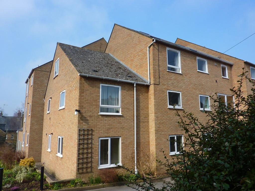 2 Bedrooms Flat for rent in Chipping Norton, Oxfordshire