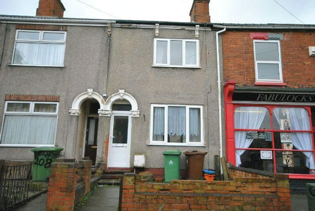 2 Bedrooms Terraced House for sale in Welholme Road, GRIMSBY