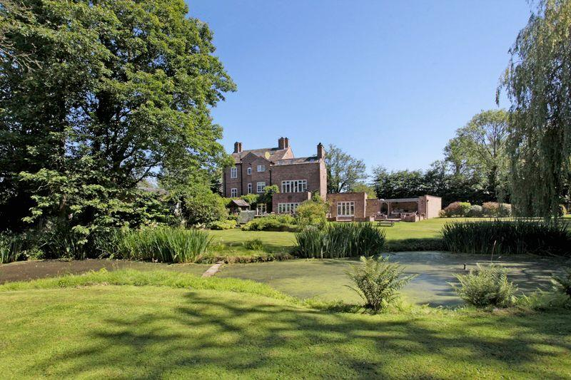 6 Bedrooms Detached House for sale in Faulkners Lane, Mobberley