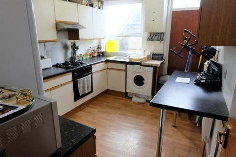 4 bedroom house to rent - Westfield Road, Leeds