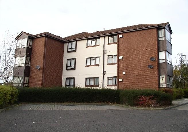 1 Bedroom Flat for sale in King James Court, Town End Farm
