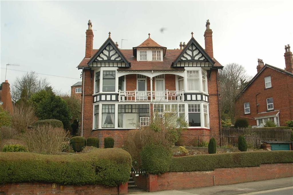 3 Bedrooms Flat for sale in Scalby Road, Scarborough, North Yorkshire, YO12