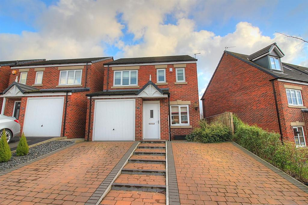 3 Bedrooms Detached House for sale in Robsons Way, Birtley